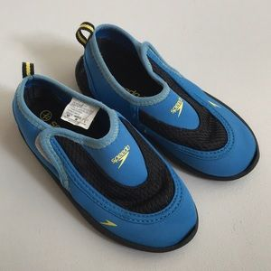 Speedo water shoes - Toddler 8/9